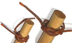 faire sa bague de foulard scout avec un lacet de cuir. Black Bedroom Furniture Sets. Home Design Ideas